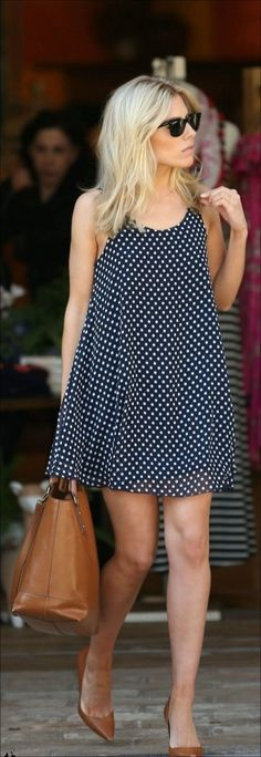 I love Molly King's polka dot dress and tan accessories here, it's a shame it's so short ; Style Désinvolte Chic, Style Casual, Mode Style, Casual Chic, Casual Outfits, Look Blazer, Quoi Porter, Romantic Outfit, Love Fashion