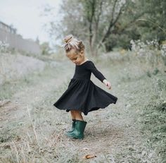 This reminds me of me as a little girl—insisting on twirly dresses and playing outside. And there is still something about a skirt that twirls ♥