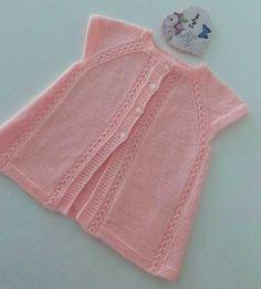 Kol altına 7 ilmek atın ve 1 s Arm Knitting, Baby Knitting Patterns, Knitting Designs, Knitting Stitches, Baby Patterns, Crochet For Kids, Crochet Baby, Baby Overall, Baby Pullover