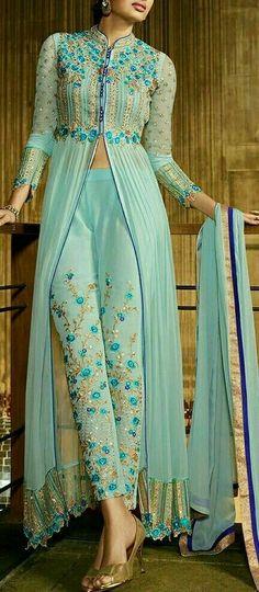 34 Super Ideas For Wedding Indian Clothes Saris Dress Indian Style, Indian Fashion Dresses, Indian Gowns, Indian Designer Outfits, Pakistani Dresses, Indian Outfits, Designer Dresses, Indian Dresses For Women, Indian Anarkali