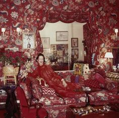 Diana-Vreeland-The-Eye-Has-to-Travel-2011-Homa-Nasab-for-MuseumViews