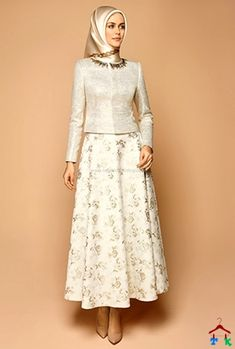 With out the gold stuff Abaya Fashion, Modest Fashion, Fashion Dresses, Moslem Fashion, Modele Hijab, Muslim Dress, Evening Dresses, Formal Dresses, Islamic Fashion