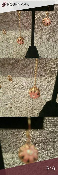 BETSEY JOHNSON mismatched cupcake earrings Adorable mismatched cupcake earrings Betsey Johnson Jewelry Earrings