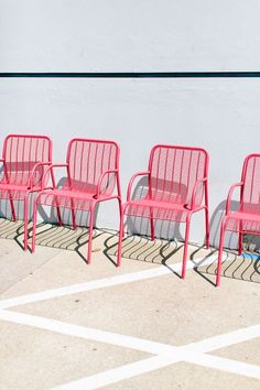Home accessory: pink chair pink garden home furniture garden party country wedding Palettes Color, Fotojournalismus, Pink Garden, Jolie Photo, Everything Pink, Color Stories, Pink Aesthetic, Wall Collage, Color Inspiration