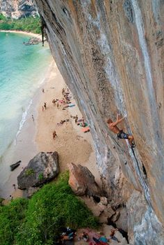 Rock climbing in Tonsai, Thailand, I didnt climb this wall, but I climbed on the beach and it was the most amazing experience of my life Mountain Climbing, Rock Climbing, Climbing Wall, The Places Youll Go, Places To See, Kayak, Thailand Travel, Thailand Destinations, Thailand Adventure