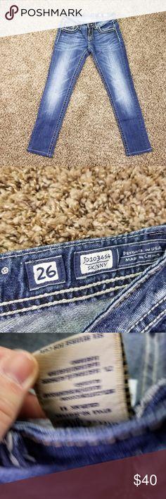 Buckle Miss Me Skinny Jeans 26 Low Rise Heavy Stit Buckle Miss Me Skinny Jeans 26 Low Rise Heavy Stitch Stretch Denim Pants Simply jean207 3.4/11 Waist Flat 14 Rise 7 Inseam 28 Miss Me Jeans Skinny