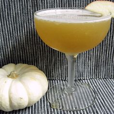 Happy Apple Rum Twist - quick and delicious fall cocktail