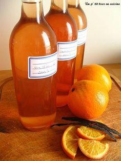 Vin d'orange - Un p'tit tour en cuisine ! (Use Seville oranges for a more bitter taste) Cider Cocktails, Cocktail Drinks, Alcoholic Drinks, Drink Recipe Book, Homemade Alcohol, Orange Wine, Cookery Books, Smoothies, Orange Recipes