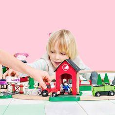 Holzeisenbahn & Spielzeug Pferdestall