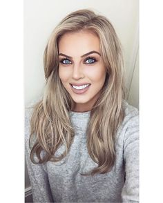 """Chloé Boucher - """"NEW YOUTUBE VIDEO! All about my how I whiten my teeth using @spotlight_whitening.ie Link is in the bio, hope your enjoy #spotlightwhitening #whiteteeth #beauty #sp """""""