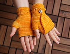 http://www.ravelry.com/patterns/library/mrs-mumpitz-convertible-mitts-with-thumb-flap