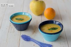 Crema de manzana al curry con zanahoria y naranja. Receta Curry, Cream Soup, Vegan Soups, Chowder, Stew, Cantaloupe, Tasty, Fruit, Vegetables