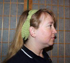 Tied in Bows Headband – Crochet Uncut Crochet Crafts, Free Crochet, Headband Crochet, Head Wraps, Ravelry, Headbands, Crochet Patterns, Bows, Tie