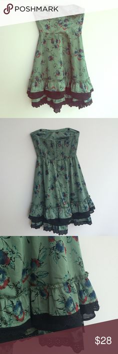 Free People Blossom Ruffle Dress Free People Green Blossom Ruffle Dress in size 8. Zip up back. Free People Dresses
