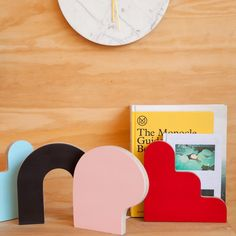 WAKA WAKA Shape Bookends Set for Poketo