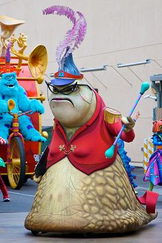 WATCH THE PIXAR PLAY PARADE~DONE!<3