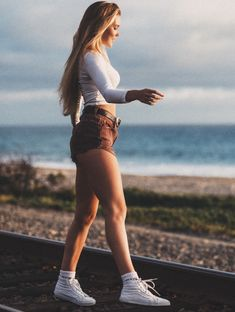 Summer Hiking Outfit, Hiking Fashion, Bb, Cute Outfits, Goals, Running, Motivation, Fitness, Clothes