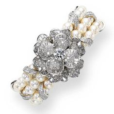 Chanel pearls and diamonds bracelet