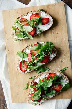 Strawberry goat cheese crostinis