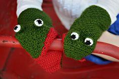 5 little monkeys swinging from a tree- and alligator- crochet finger puppet pattern!