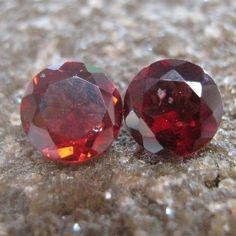 Garnet Round 2 Pcs 1.25 carat