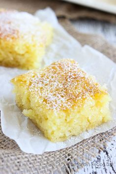 These Pineapple Bars are such a happy dessert! They are full of pineapple bits and the perfect treat for Spring and Summer. Pinapple Dessert Recipes, Cantaloupe Recipes, Pineapple Desserts, Pineapple Recipes, Radish Recipes, Brownies, Sin Gluten, Köstliche Desserts, Delicious Desserts