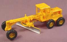Cox Ho Scale Yellow Grader, Railroad Train, (Has Been Painted To Look Weathered)