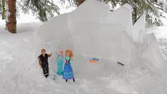 Queen Elsa Invites Barbie to Her Frozen Castle! Frozen Castle, Toddler Videos, Ice Castles, Queen Elsa, Anna, Barbie, Animation, Invitations, Animation Movies