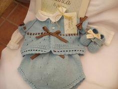 Conjunto de bebe, color azul, de blancaypunto