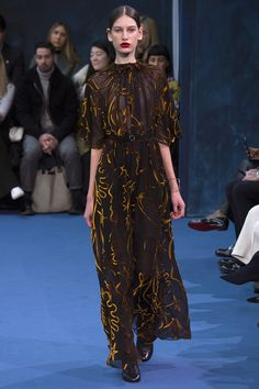 Roksanda Fall 2016 Ready-to-Wear Fashion Show  http://www.theclosetfeminist.ca/  http://www.vogue.com/fashion-shows/fall-2016-ready-to-wear/roksanda/slideshow/collection#29