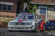 Classic Car News – Classic Car News Pics And Videos From Around The World Alfa Romeo, Police Cars, Race Cars, Alfasud Sprint, Automobile, Car Engine, Muscle Cars, Vintage Cars, Men Styles