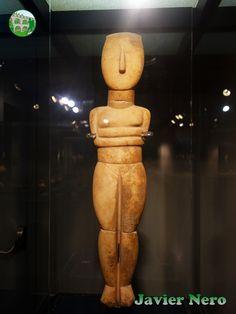 Tipo canónico, variedad Spedos II Periodo, fase Syros (2800-2300 a.C.) Museo del Arte Cicládico, Atenas.