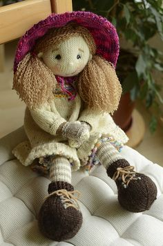 Free Pattern: Hococo the Lemur by Alan Dart Knit dolls Pinterest Ravelr...