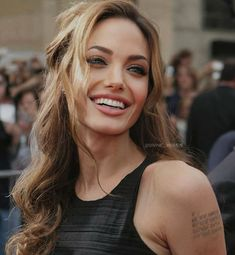 Alexandra Daddario, Salma Hayek, Kristen Stewart, Angelina Jolie, Scarlett Johansson, Selena Gomez, Camisole Top, Tank Tops, Instagram
