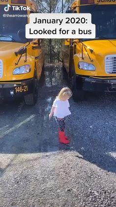 School Bus Tiny House, School Bus Camper, Bus Life, Camper Life, Build A Camper Van, Kombi Home, Motorhome, Bus Living, Van Home