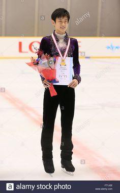 表彰式 1位 山本草太 高1 sota-yamamoto-november-23-2015-figure-skating-japan-junior-figure-F71J02.jpg (866×1390)