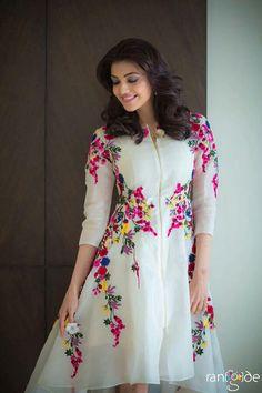 Kajal Agarwal Off White Georgette Party Wear Kurti - Sale Salwar Designs, Blouse Designs, Pakistani Dresses, Indian Dresses, Indian Outfits, Anarkali Dress, Party Kleidung, Desi Clothes, Western Dresses