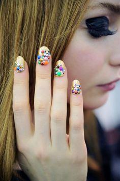 Ideas cool de nail art: manicure de pedrería