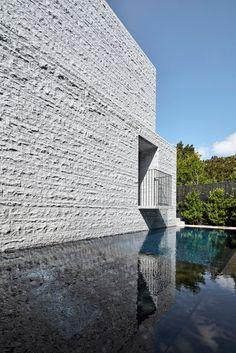 B.E Architecture designed the three-storey Armadale Residence