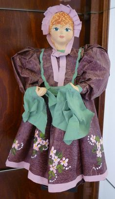 Bambola di cartone