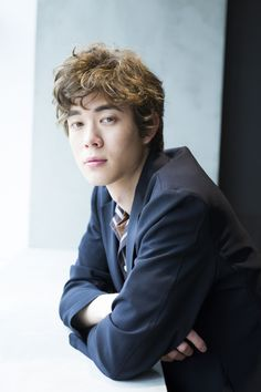 Boys With Curly Hair, Entertainment, Japanese Men, Curly Hair Styles, Style Inspiration, Actors, Guys, Multimedia, Actor