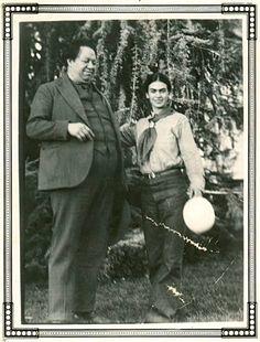 Frida y Diego en casa del matrimonio Burbank Santa Rosa en California (EE.UU) 1931.
