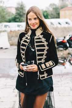 I love everything about this Fall outfit. Lovely Fall Fresh Looking Outfit. 35 Fashionable Outfits To Wear Now – I love everything about this Fall outfit. Lovely Fall Fresh Looking Outfit. Milan Fashion, Street Fashion, Boho Fashion, Fashion Outfits, Womens Fashion, Fashion Design, Fashion Trends, Militar Jacket, Look Athleisure