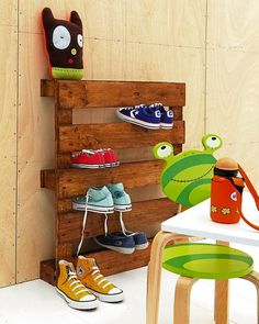 Inspired idea for storing shoes using an old pallet.