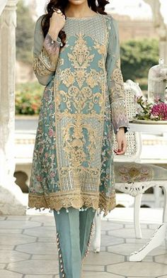 Do you want to find out about quality Elegant Design Indian Sari also items like Elegant Design Saree and Latest Elegant Sari Blouse in which case Click Visit link above for more details Pakistani Fashion Party Wear, Pakistani Formal Dresses, Pakistani Dress Design, Abaya Fashion, Pakistani Outfits, Muslim Fashion, Indian Dresses, Asian Fashion, Indian Outfits