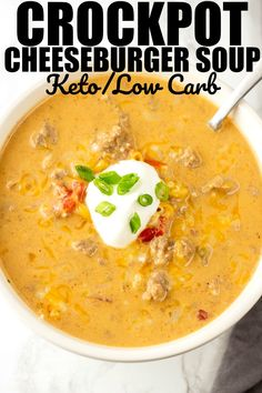 Crockpot Cheeseburger Soup takes all the amazing flavors of a cheeseburger and puts them into a delicious soup! Crockpot Cheeseburger Soup takes all the amazing flavors of a cheeseburger and puts them into a delicious soup! Low Carb Crockpot Chicken, Stew Chicken Recipe, Keto Crockpot Recipes, Cooker Recipes, Healthy Recipes, Crockpot Cheeseburger Soup, Cheese Burger Soup Crockpot, Thm Soup Recipes, Hamburger Soup Crockpot