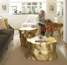 Kreative Deko Ideen aus Baumstumpf - goldene Tische