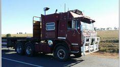 Aussie rigs International Harvester Truck, Kenworth Trucks, Vintage Trucks, Ih, Toys For Boys, School, Places, Classic, Weights