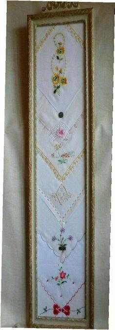 Another great way to frame vintage handkerchiefs! Antique Frame Dispetto contenente un di twinlyonsgiftshop su Etsy Vintage Diy, Vintage Crafts, Vintage Jewelry, Vintage Lace, Shabby Chic Crafts, Vintage Display, Vintage Embroidery, Vintage Stuff, Embroidery Ideas