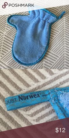 Norwex Dusting Mitt Used twice, washed and dried by Norwex instructions. Like new condition. PRICE FIRM Norwex Other